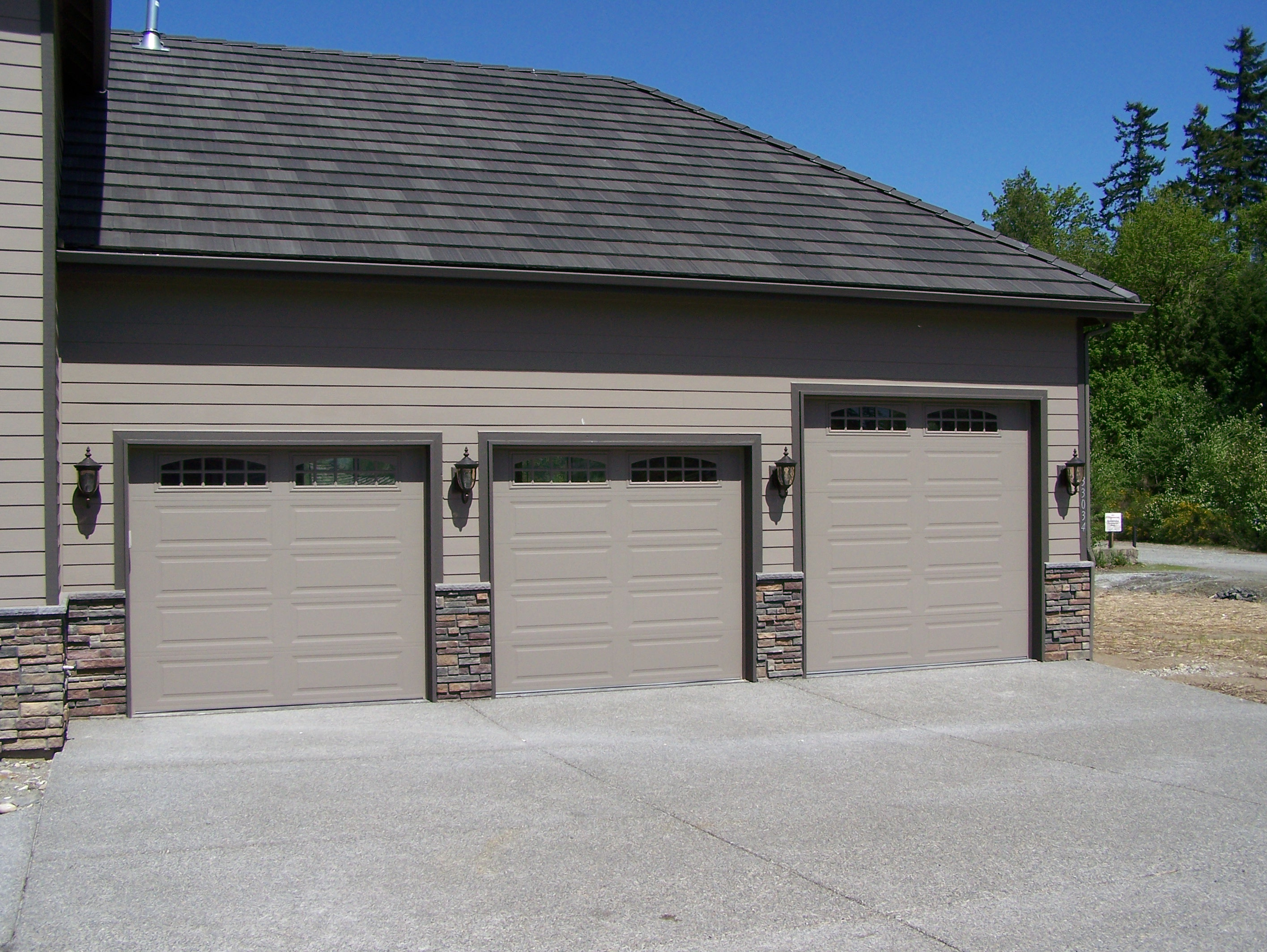500 ranch panel cascade northwest door canada ltd for Ranch house garage doors