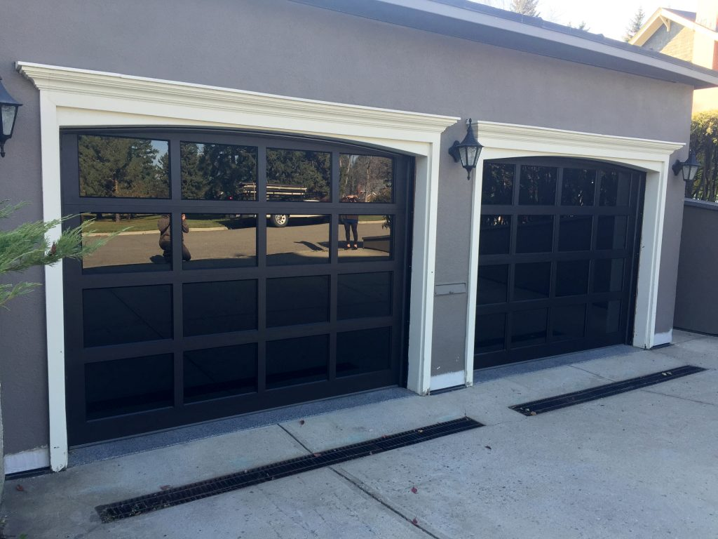 Modern Classic Mc44 Black Anodized Insulated Grey Tinted Glass